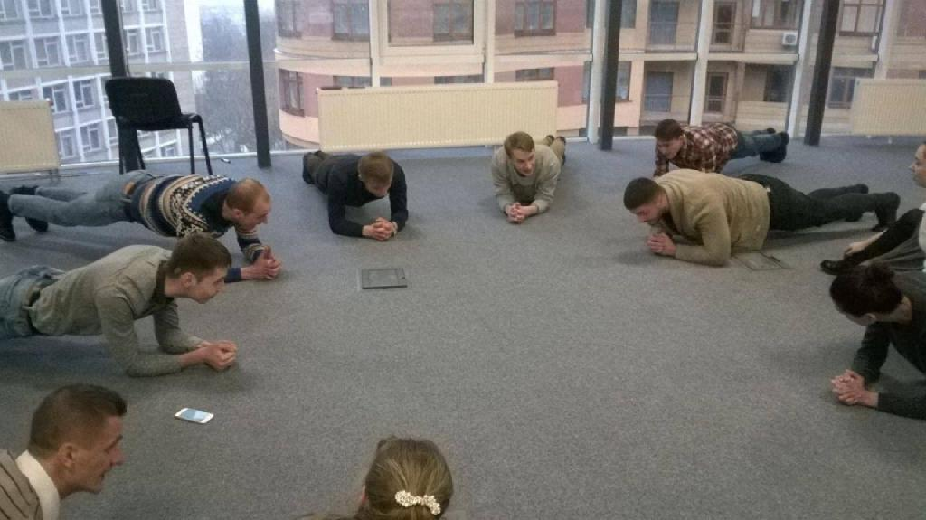 Recruiters team - planking
