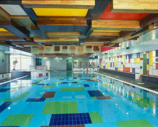 RECRUITERS Swimming pool